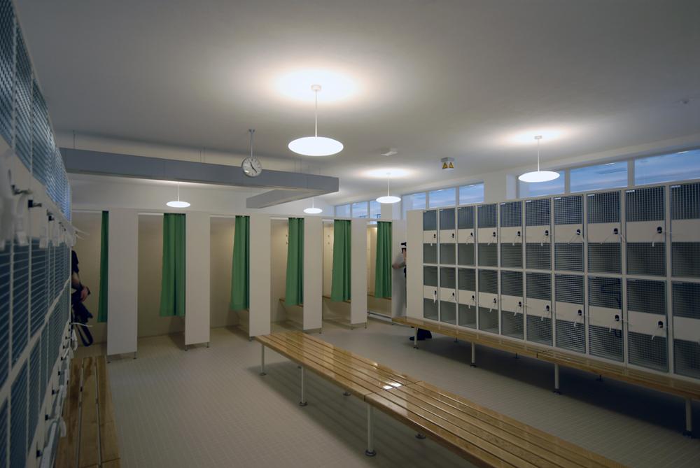 Hochparterre bildergalerien z rich city hallenbad vor - Schwimmbad architektur ...