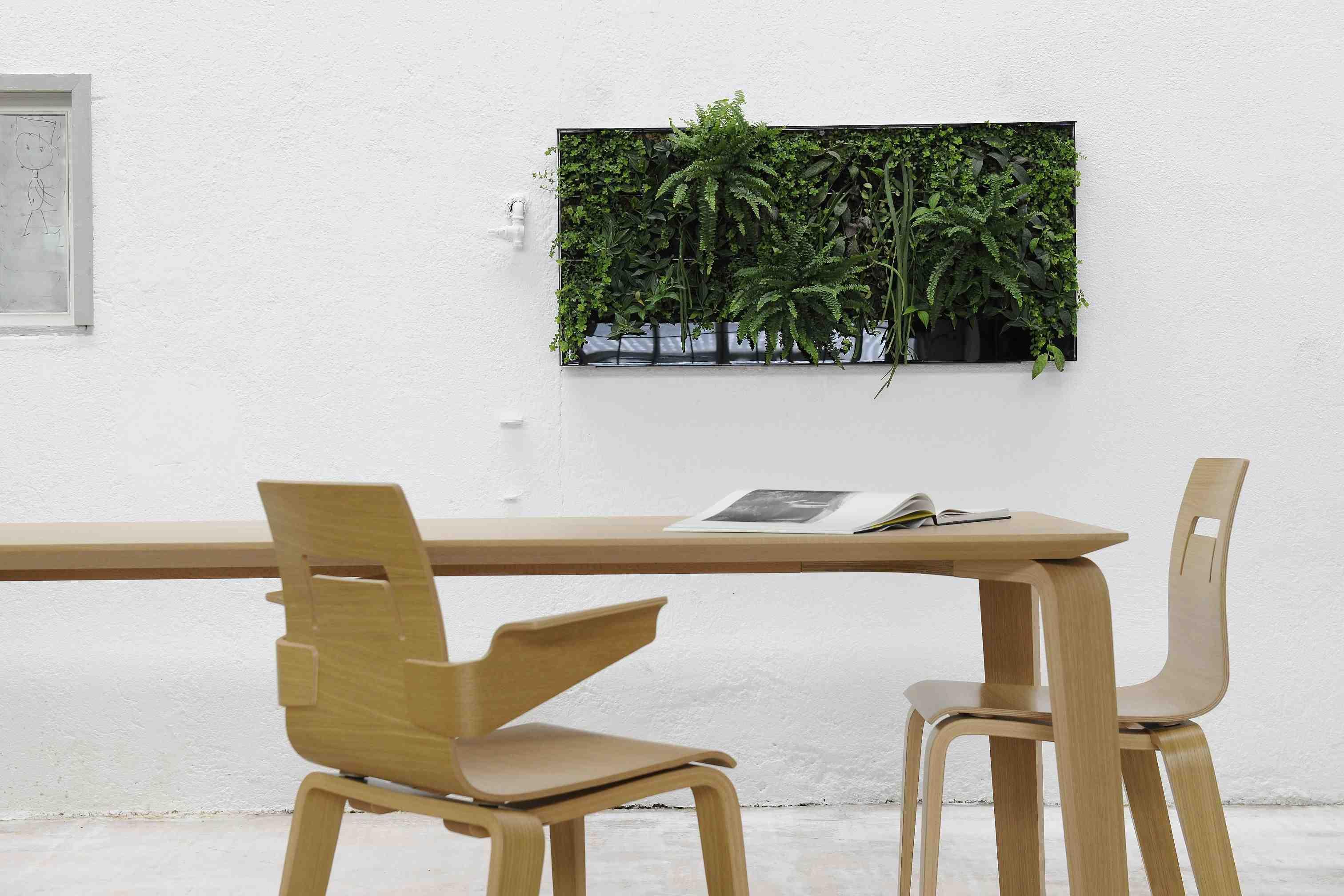 hochparterre design das vertikale gartenbeet. Black Bedroom Furniture Sets. Home Design Ideas
