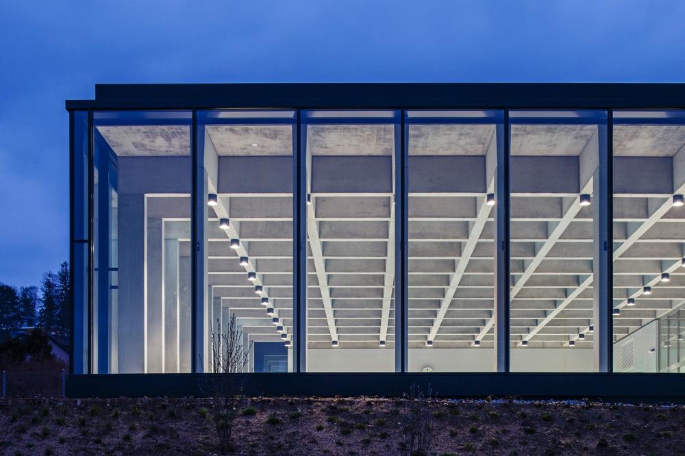 Hochparterre architektur illiz architektur gewinnt auf - Schwimmbad architektur ...
